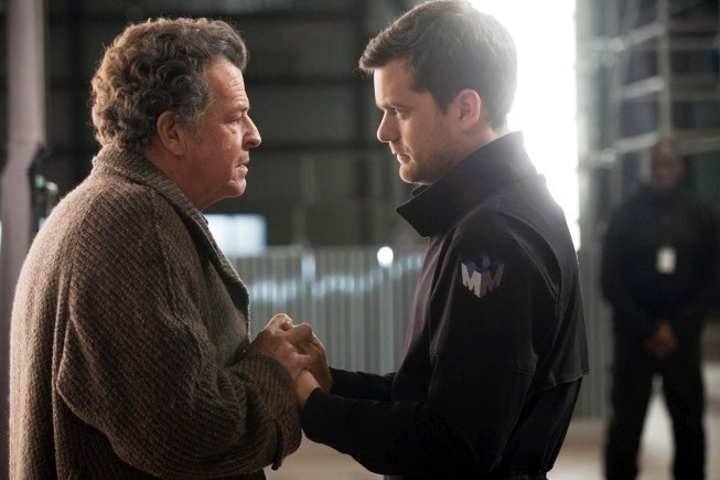 'Fringe' Promises Satisfying Conclusion by Filming Two Endings for Season 4 Finale