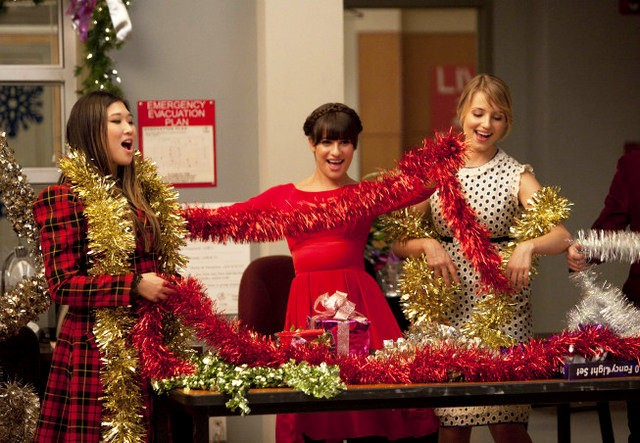 'Glee' Video Premieres: 'All I Want for Christmas Is You' and 'Do They Know It's Christmas?'