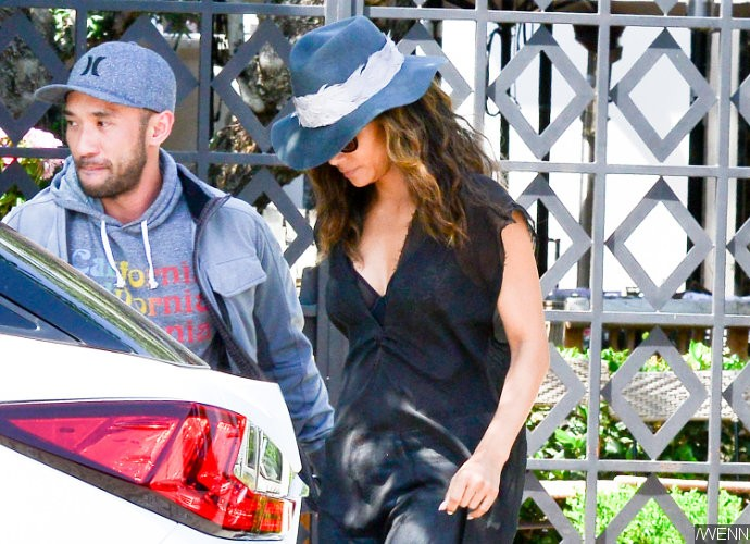 Halle Berry Spotted on a Lunch Date With Mystyery Man in L.A.