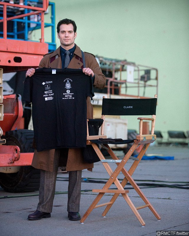 First Look at Henry Cavill on Set of 'Batman v Superman: Dawn of Justice'