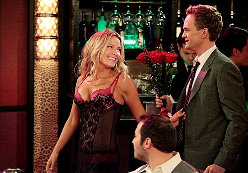 'How I Met Your Mother' 7.18 Preview: Barney Splashes Cash for Quinn