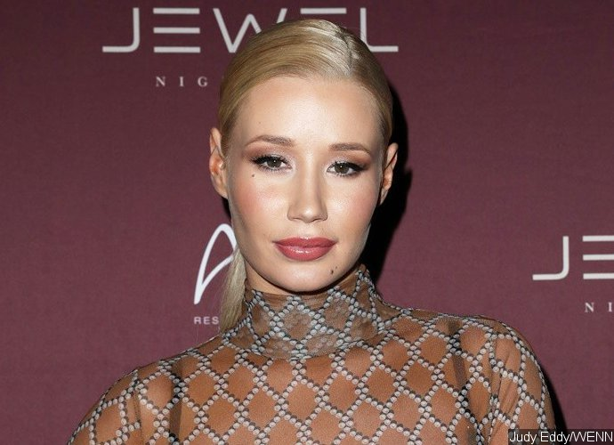 Iggy Azalea Twerks With Her Booty in the Air - See the Sexy Video