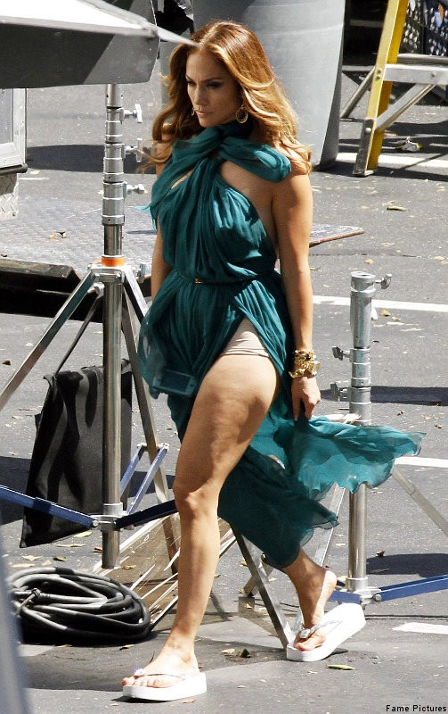Jennifer Lopez Rocks Green Gown on Set of 'Papi' Video Shoot