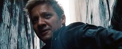 Jeremy Renner Goes Wild in First Clip for 'The Bourne Legacy'