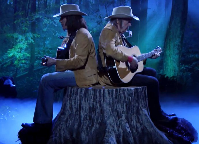 Jimmy Fallon Turns Into Neil Young and Joins Actual Neil Young 'On a Tree Stump'