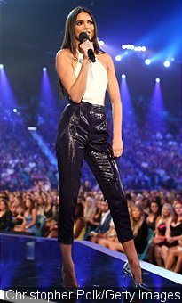 Kendall Jenner Messes Up Her Presentation at the Billboard Music Awards