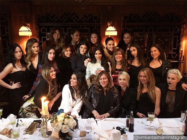Kim Kardashian Enjoys 'Last Supper' With Friends in Paris