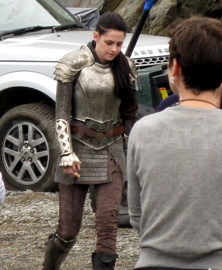 Kristen Stewart Armored at Seaside Battle in New 'Snow White and the Huntsman' Set Pic