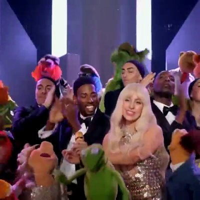 Lady GaGa and the Muppets Sing 'Applause' in New Snippet of Thanksgiving Special