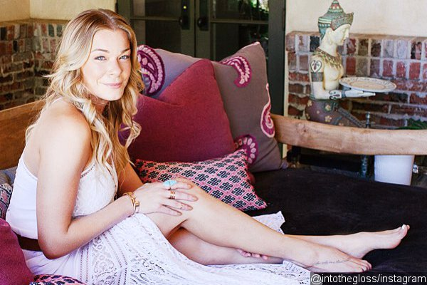 LeAnn Rimes Takes 40 Pills a Day to Stay Gorgeous