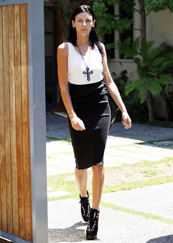 Liberty Ross Meets Marriage Counselor and Divorce Lawyer