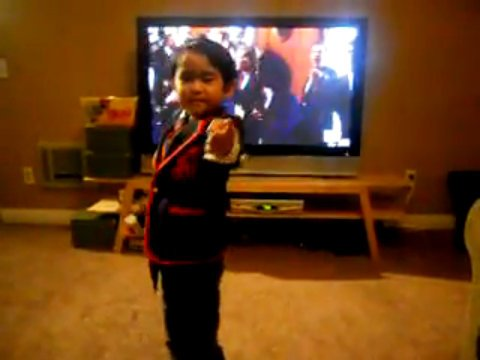 Video: Little 'Glee' Fan Impersonates Darren Criss' Blaine