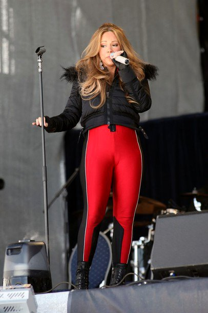 Mariah Carey Suffers Wardrobe Malfunction During Performance in Austria