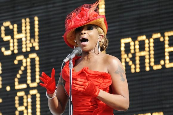 Video: Mary J. Blige Belts Out National Anthem at 2012 Kentucky Derby