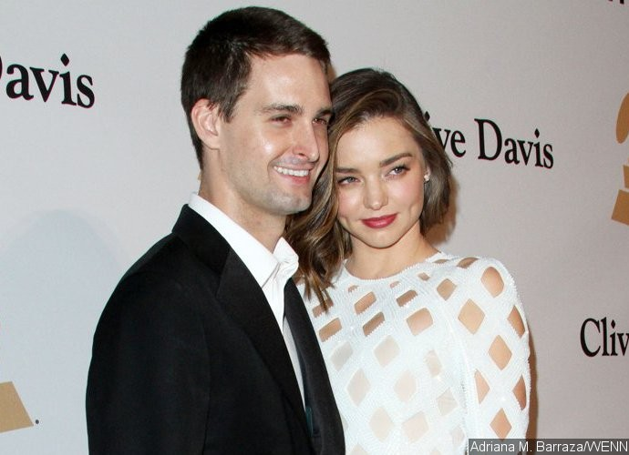 Report: Miranda Kerr and Snapchat CEO Evan Spiegel to Marry in Private Backyard Wedding This Weekend
