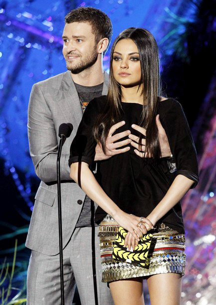 2011 MTV Movie Awards: Justin Timberlake Grabs Mila Kunis' Boobs on Stage