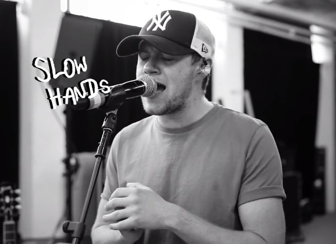 Niall Horan Releases Candid Lyric Video for 'Slow Hands'