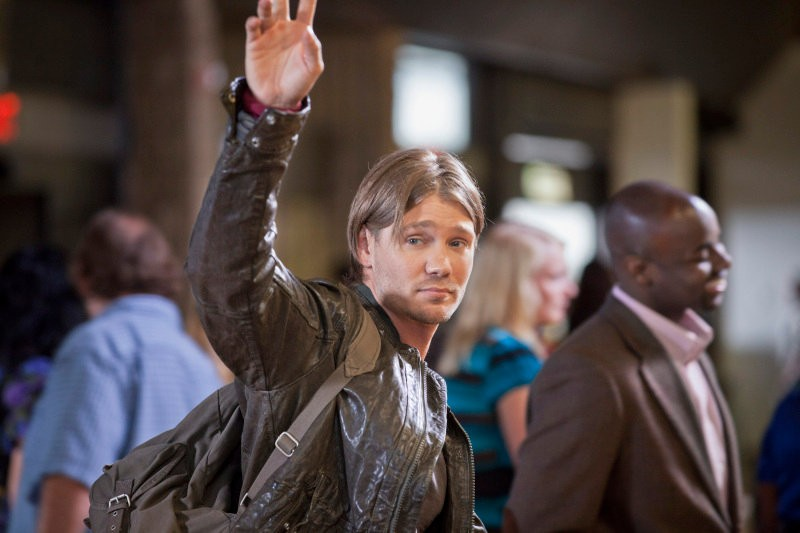 http://www.aceshowbiz.com/images/news/one-tree-hill-photos-chad-michael-murray-s-return01.jpg