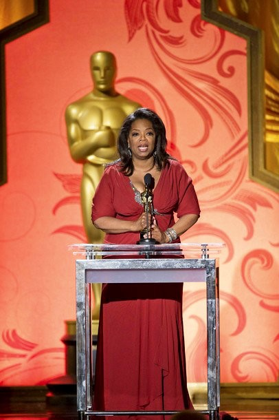 Oprah Winfrey Breaks Down in Tears When Receiving Honorary Oscar