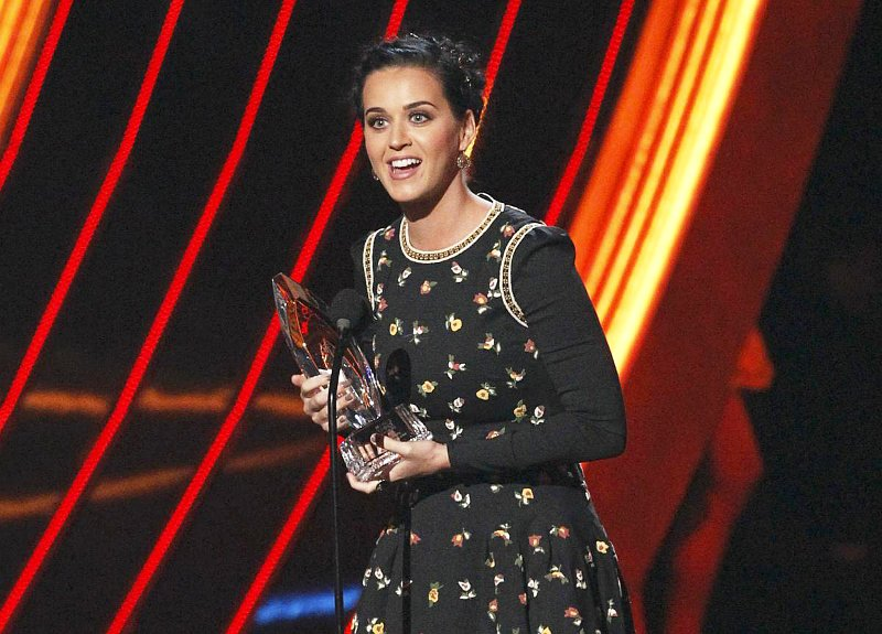 People's Choice Awards 2013 Music Winners: Katy Perry Leads With Four Gongs