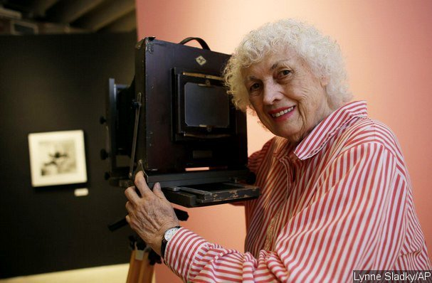 Pinup Photographer Bunny Yeager Dies at 85