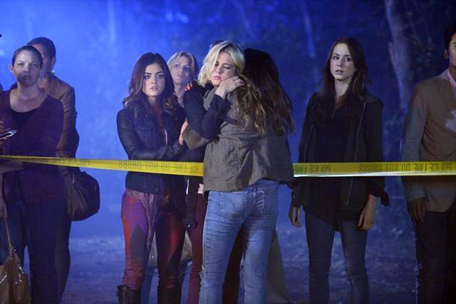 http://www.aceshowbiz.com/images/news/pretty-little-liars-3-12-the-girls-mourn-another-character-s-death.jpg