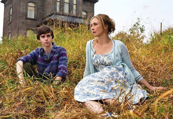 First Look at 'Psycho' Prequel, 'Bates Motel'