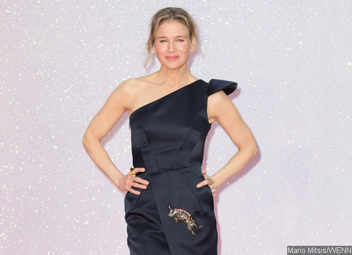 Renee Zellweger Stuns on Pink Carpet at 'Bridget Jones's Baby' World Premiere