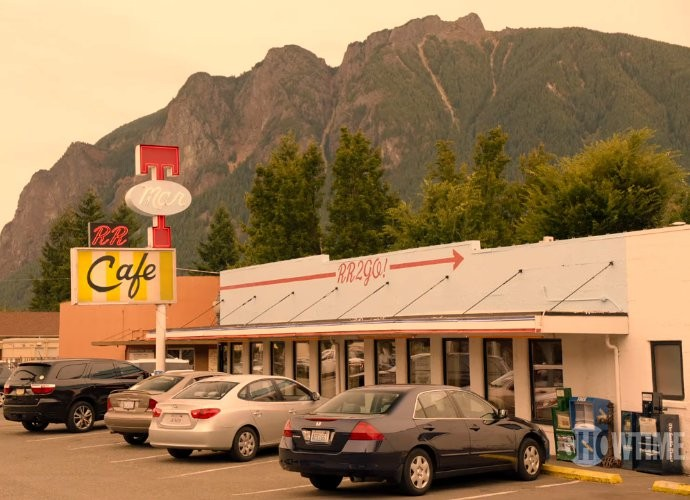 Return to the Town of 'Twin Peaks' With New Eerie Promo