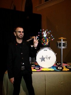 Ringo Starr Celebrates 72nd Birthday With 'Peace and Love' Moment