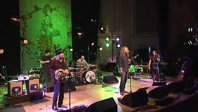Video Premiere: Robert Plant and Band of Joy Perform 'Gallows Pole'