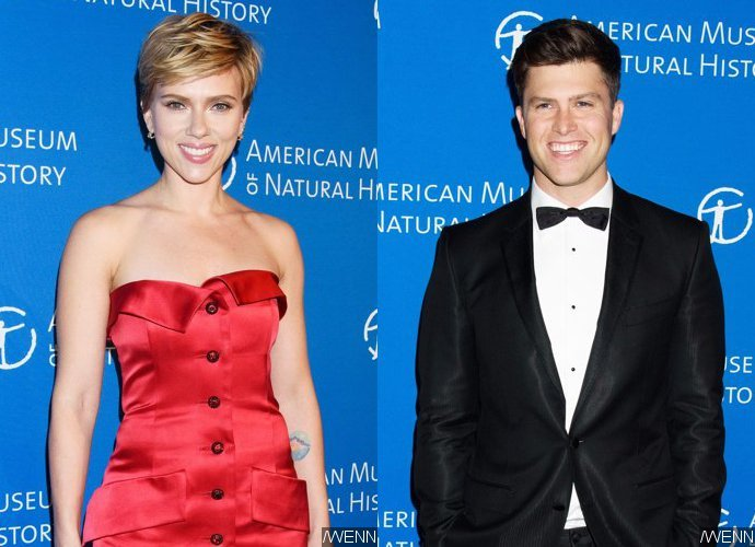 Foto: Scarlett Johansson and Colin Jost Make First Public Appearance as a Couple