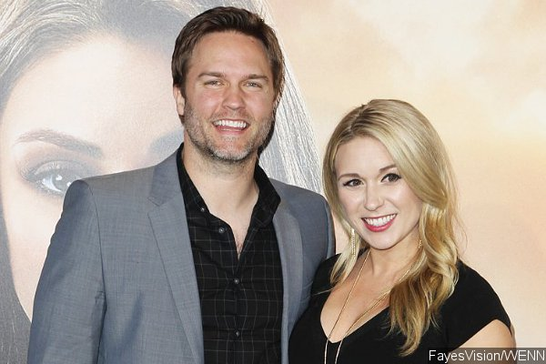 Scott Porter and Wife Expecting Their First Child