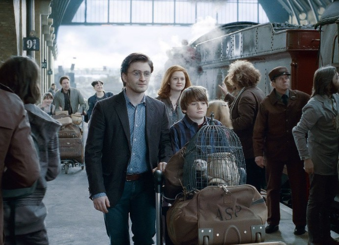 See How 'Harry Potter' Fans Celebrate Albus Potter's First Day at Hogwarts