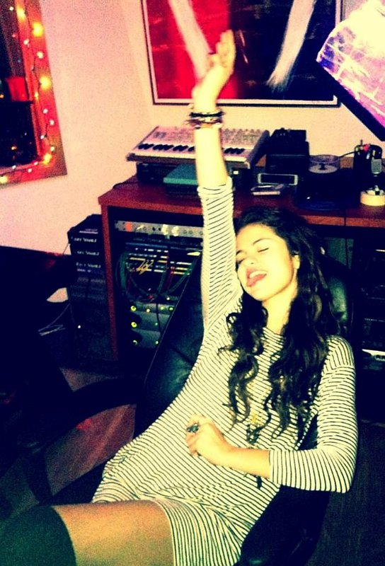 Photos: Selena Gomez Rocks Out in Studio With Rock Mafia
