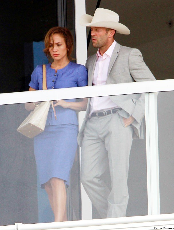 Set Pics of 'Parker': Jennifer Lopez and Jason Statham Get Close at Balcony
