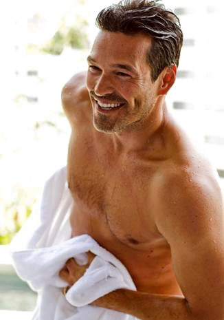 Shirtless Eddie Cibrian Bares His Abs in New Charisma Ad