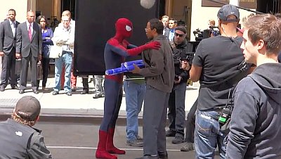 'Amazing Spider-Man 2' New Set Video and Pics: Spidey Helps Jamie Foxx Out