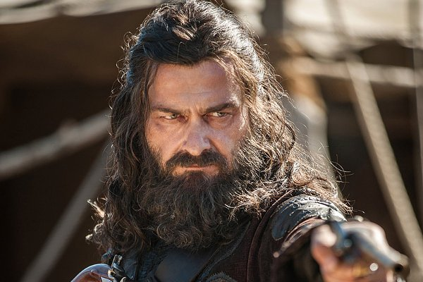 Starz's 'Black Sails' Casts Its Blackbeard, Unveils His First Look