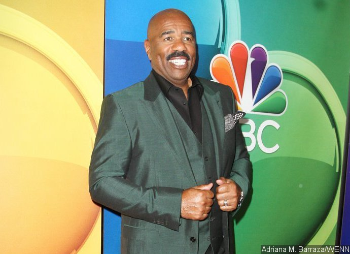 Foto: Steve Harvey Is Sued for $5M for Allegedly Stalking and Harassing
