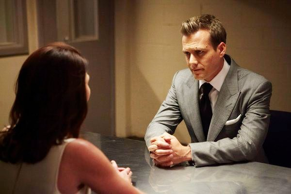 'Suits' 3.03 Preview: Harvey Starts a 'Knife Fight'