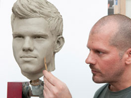 Taylor Lautner to Get His First Wax Figure in January 2012