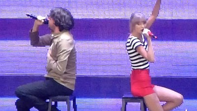 Taylor Swift Joined by Snow Patrol's Gary Lightbody Onstage During Sacramento Show