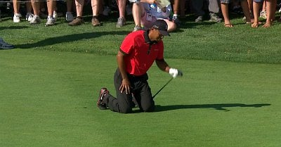 Video: Tiger Woods Falls to His Knee in Pain at Golf Tournament