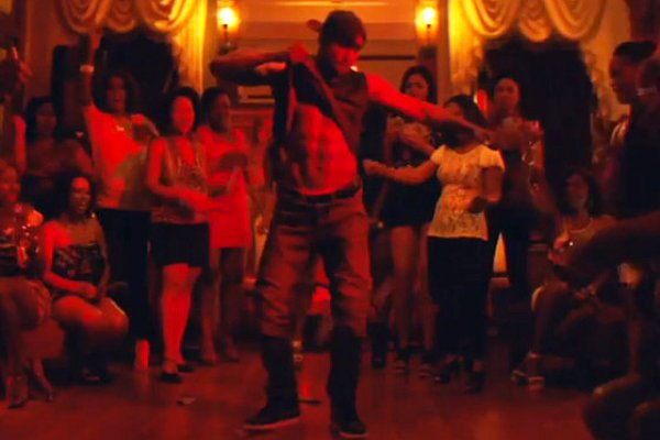 tWitch Strips Off His Clothes and Goes Wild in 'Magic Mike XXL' First Clip