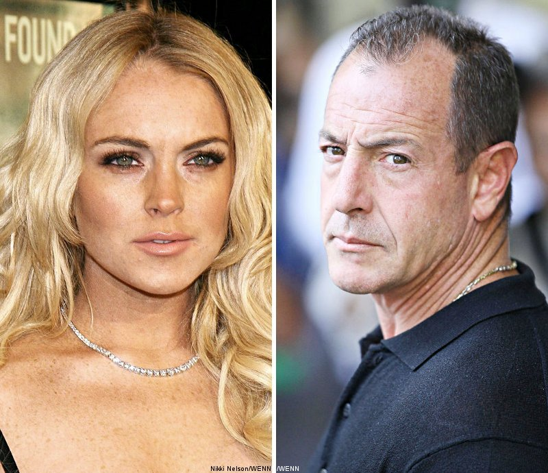 Lindsay Lohan Orders 'Crazy' Dad to Stay Away
