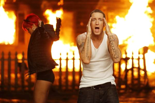 Eminem and Rihanna's Duet Tops U.S. Pop Chart for Third Consecutive Week