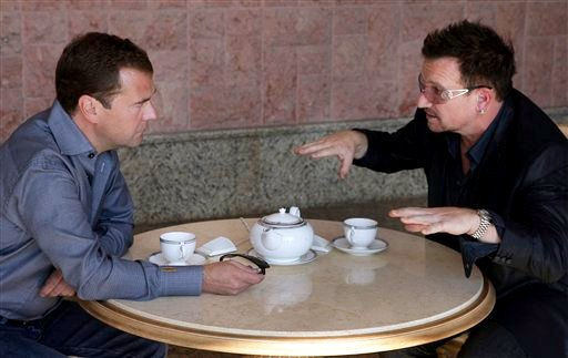 Video: Bono Having Tea and Conversation With Russian Leader