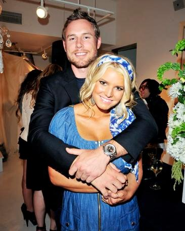 Eric Johnson Proposed to Jessica Simpson on Nov. 11 at 11 P.M. for Luck