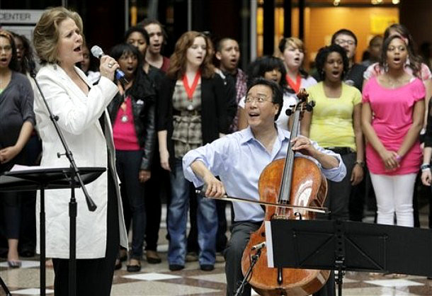 Yo-Yo Ma and Renee Fleming Celebrate Value of Music With Chicago High Schoolers